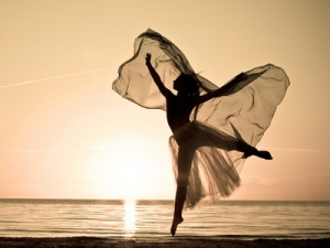 beach-dancing-freedom-girl-Favim.com-674569